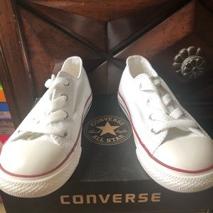 Girls NEW Converse Sneakers sz 9 White